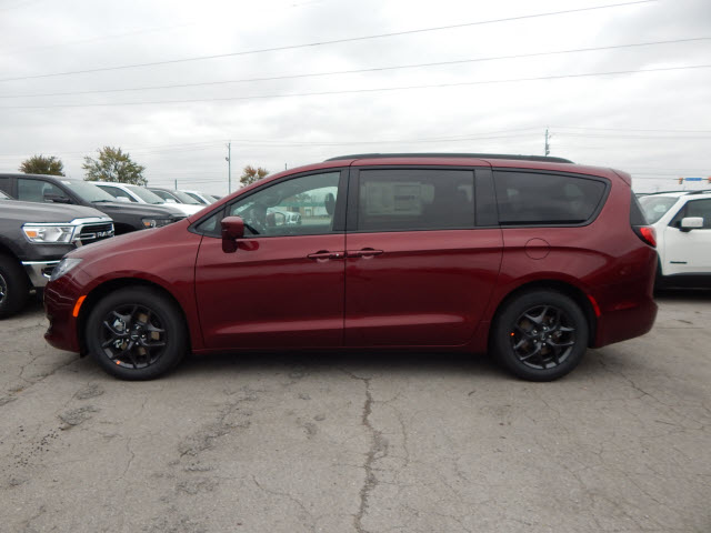 New 2020 Chrysler Pacifica TOUR L PLS