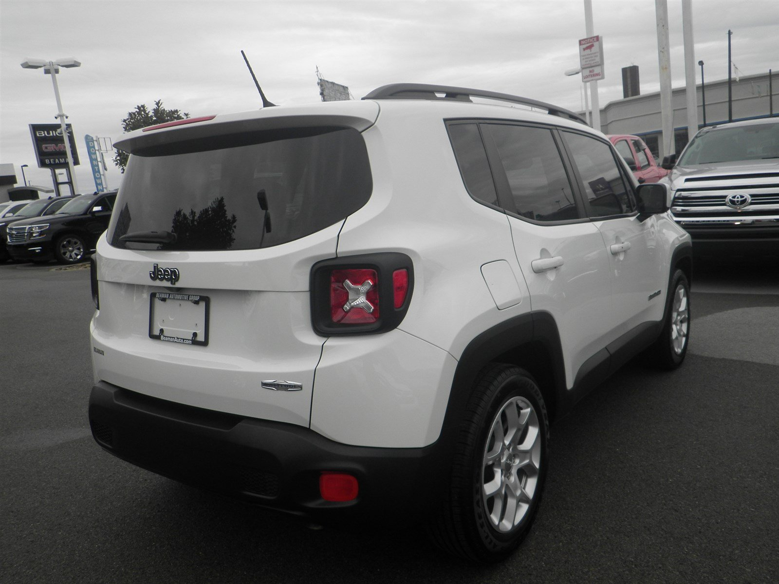 Pre Owned 2016 Jeep Renegade Laude